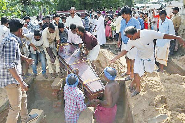 Snakebite a major killer in post-flood days - Sakshi