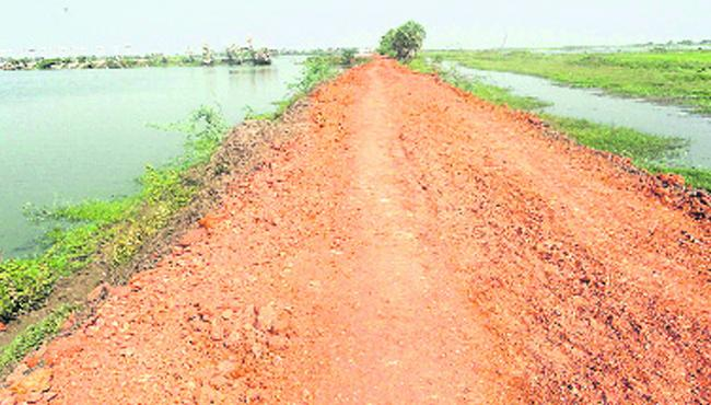 No precausionary measures to face flood situation in AP - Sakshi