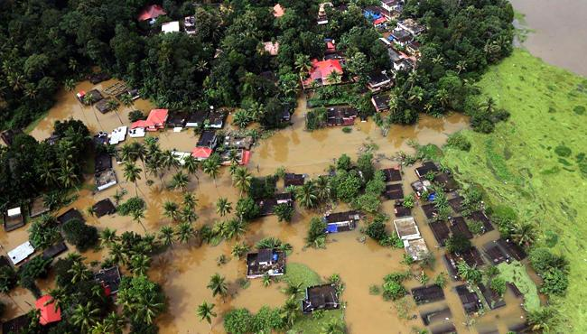 Opposition blames govt for floods - Sakshi