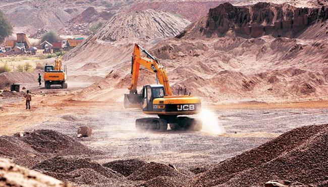 Mining Mafia, accused people file petition in High court - Sakshi