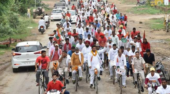 Newborn Dies As Ambulance Gets Stuck In Congress Rally - Sakshi