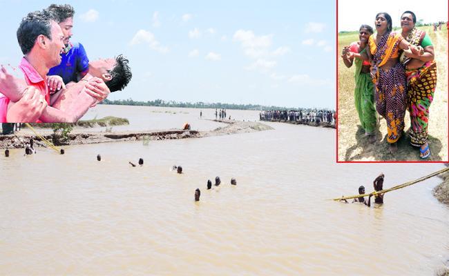 Four Studets Died In Krishna River - Sakshi