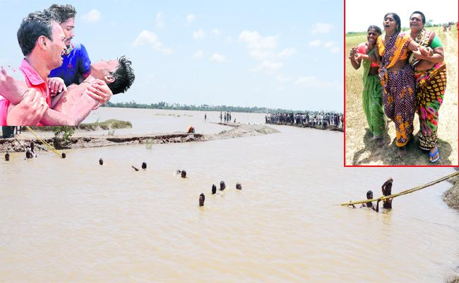 Four Studets Died In Krishna River - Sakshi