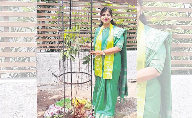 Mayor Wife Sridevi Green Challange In Hyderabad - Sakshi