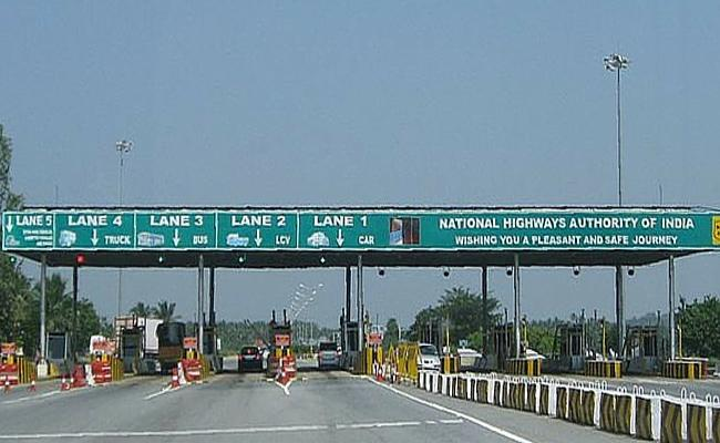 Ten Percent Hikes On Toll Gate Charges Tamil Nadu - Sakshi