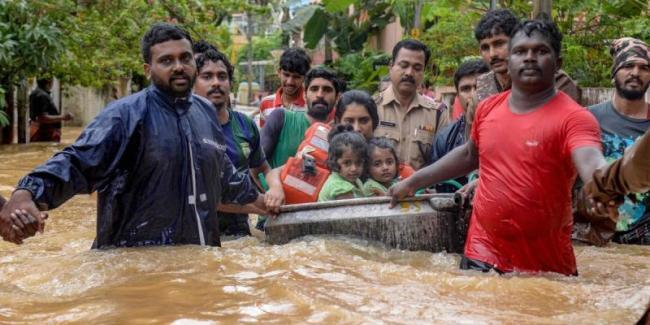 Kerala Floods 2018 Red Signal To UAE Donation - Sakshi