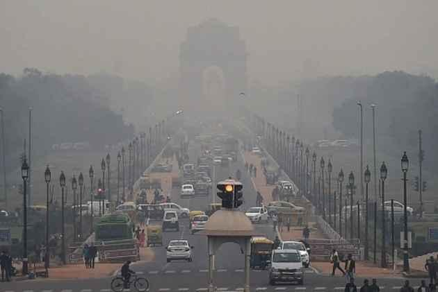 Air Pollution Is Cutting The Global Life Expectancy By Up To Two Years - Sakshi