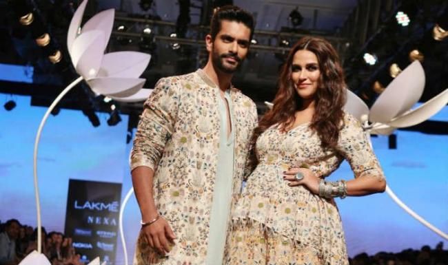 Neha Dhupia Rocks The Ramp With Pregnant Belly - Sakshi