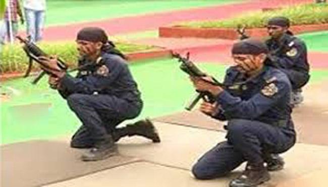 During Mock Drill Octopus Constable Was Fall down In Tirumala - Sakshi
