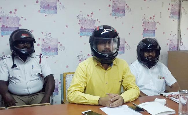 Madras High Court Judgement On Helmet - Sakshi