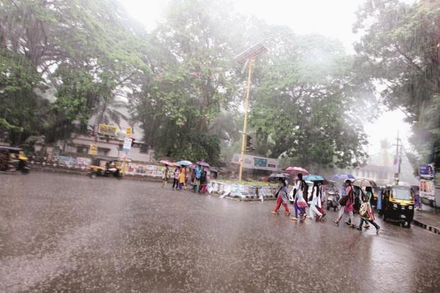Heavy rain to hit parts of North India in next 48 hours, alerts IMD - Sakshi