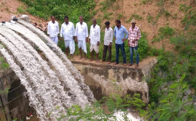 Heavy Rains In Nizamabad Farmers Happiness - Sakshi