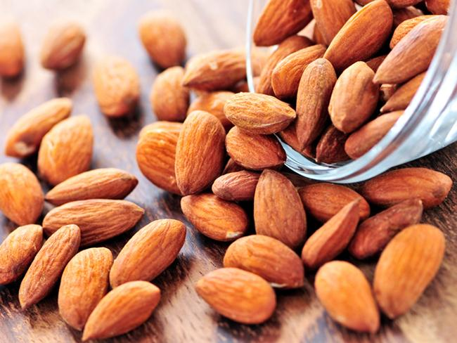 Research Suggests Snacking On Almonds May Compensate For Skipping Breakfast   - Sakshi