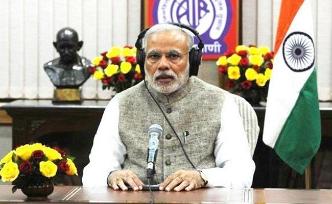 PM Modi Says India Stands With People Of Kerala   - Sakshi