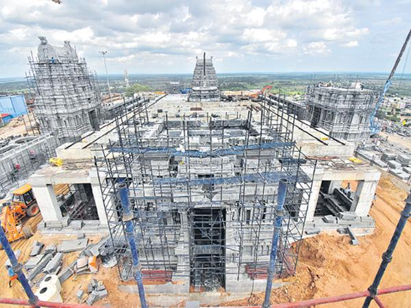 Preparations was started for Yadadri Main Temple - Sakshi