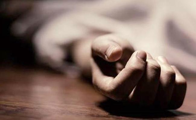 Sri Chaitanya College Student Committed Suicide - Sakshi