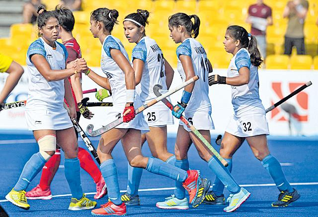 Indian women book SF spot with thumping win over Thailand - Sakshi