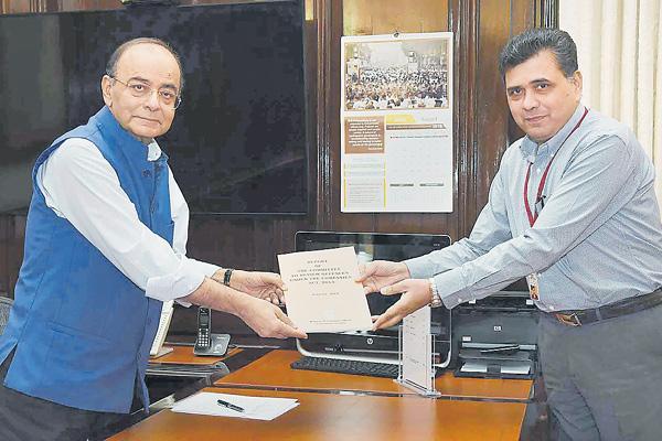 Jaitley blames NPA woes to 'indiscriminate lending' under UPA - Sakshi
