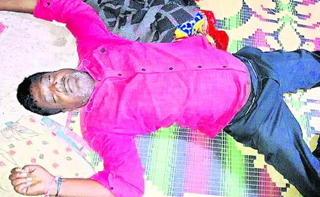Man Died By Heart Attack  - Sakshi