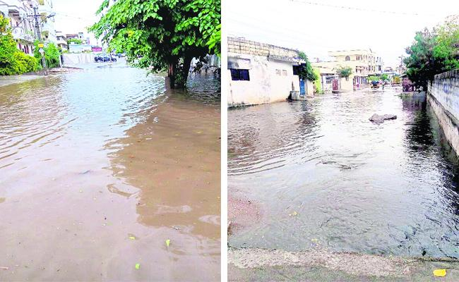 Karimnagar Drainage System Is Bad - Sakshi