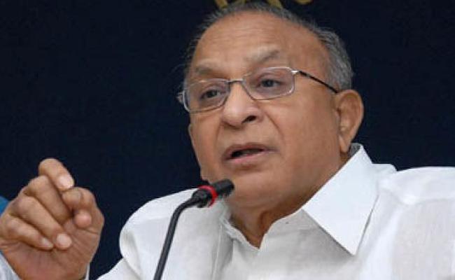 Jaipal Reddy Slams TRS Governments In Delhi - Sakshi