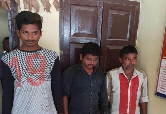Thieves are arrested In Barampuram - Sakshi