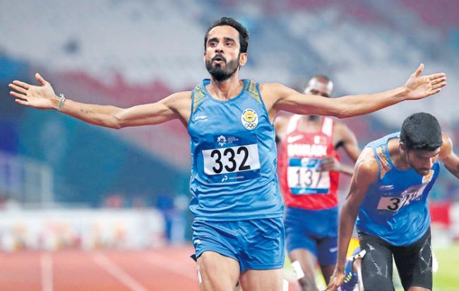Manjit Singh wins gold, Jinson Johnson silver in Mens 800m - Sakshi