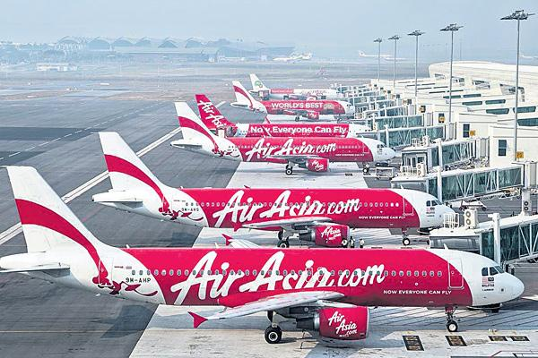 AirAsia offers discounts: Domestic flights start at Rs 1199 - Sakshi
