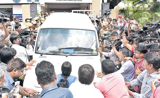Police Arrest Virasam Leader Varavararao - Sakshi