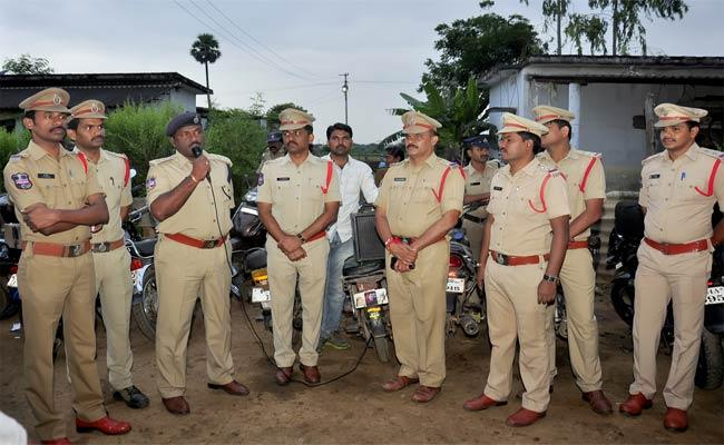 Cordon Search In Thallada - Sakshi