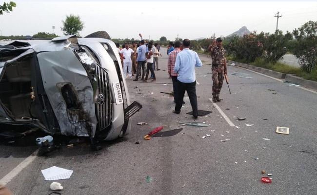 Hari Krishna Friend Arekapudi Shivaji Comments On Road Accident  - Sakshi
