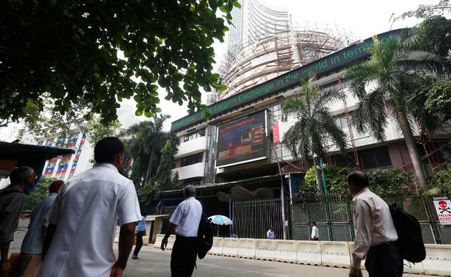 Sensex, Nifty Trade Flat - Sakshi