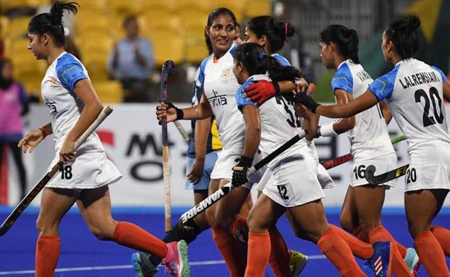 India Enters Women Hockey Final After 1-0 Win Against China - Sakshi