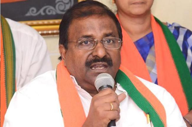 Somu Veerraju Slams Chandrababu In East Godavari - Sakshi
