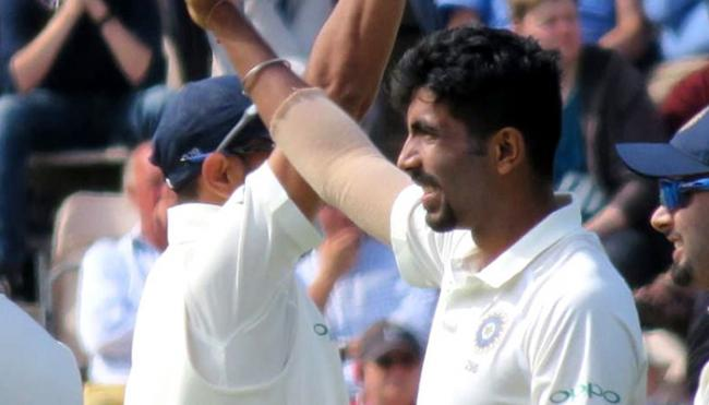 England All Out In Fourth Test First Innings Against India - Sakshi