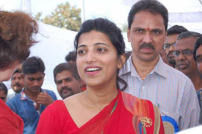 Amrapali Kata appointed as ghmc additional commissioner - Sakshi