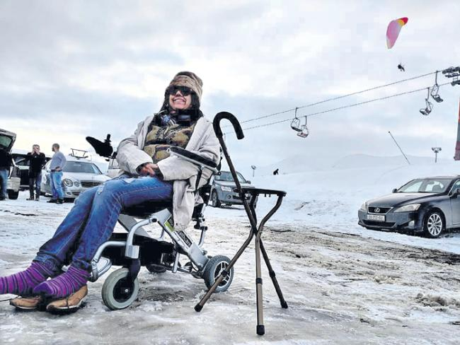 23 Countries, 6 Continents: Amazing Woman Travels The World Alone In Her Wheelchair - Sakshi