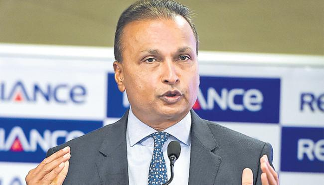 Awaiting banks reply on Reliance Naval resolution plan: Anil Ambani - Sakshi