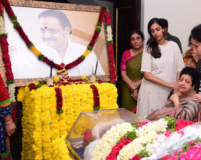 nandamuri-harikrishna-funerals-mahaprasthanam-tela
