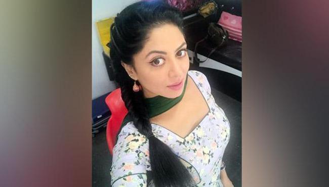 Kavita Kaushik Quits Facebook And Writes Her Last Post - Sakshi
