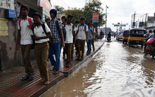 schools, colleges reopen in kerala - Sakshi