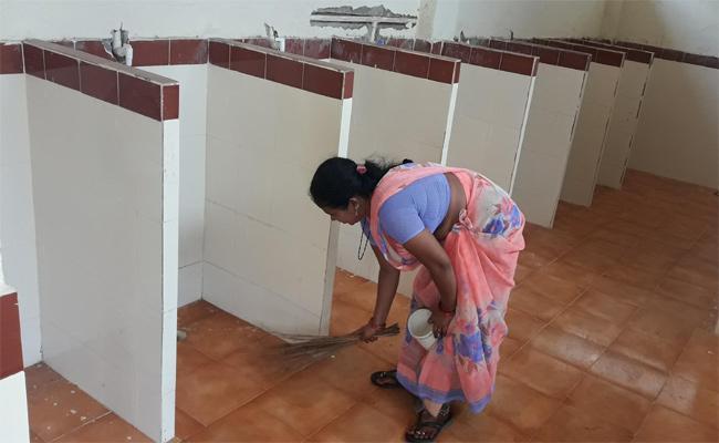 Temporary Sanitation Workers Salary Issue Prakasam - Sakshi