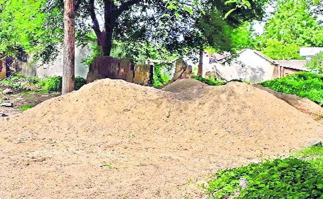 Sand mafia  In Warangal - Sakshi