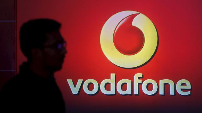Vodafone New Plan for Prepaid Customers  unlimited voice calls, 10GB data at Rs 597 - Sakshi