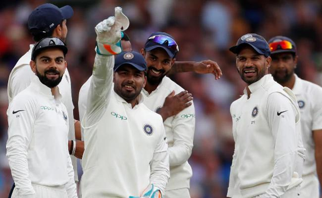 Farokh Engineer Happy with Rishabh Pant confidence on Test debut - Sakshi