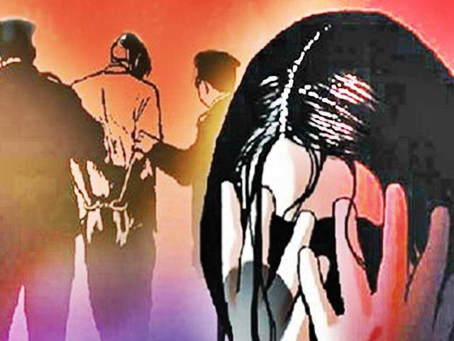 Girl Kidnapped  Forced To Drink Alcohol Gang Raped Near Noida - Sakshi