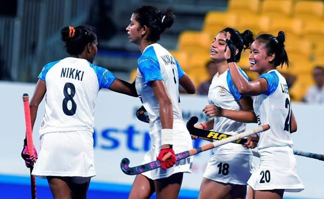 India Lose 1-2 to Japan in Womens Hockey Final - Sakshi