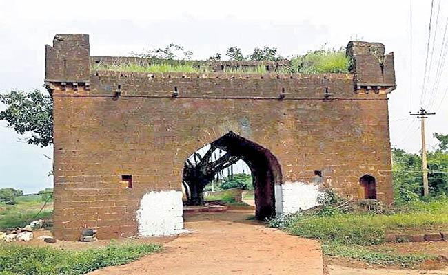 Ancient Temples In Ruins Situation - Sakshi