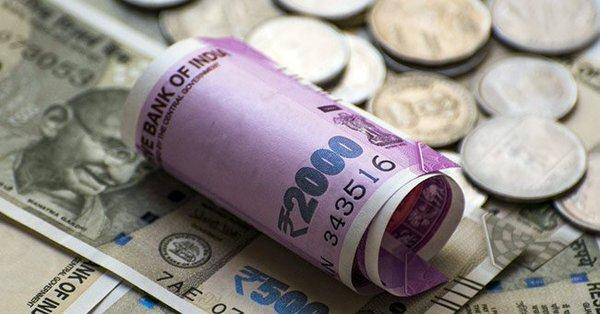 Rupee fall continues, hits 71 against US dollar for first time - Sakshi