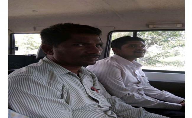 VRO Trapped By ACB In Mahabubnagar - Sakshi